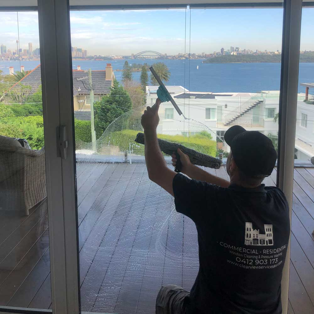 Streak free window cleaning sydney